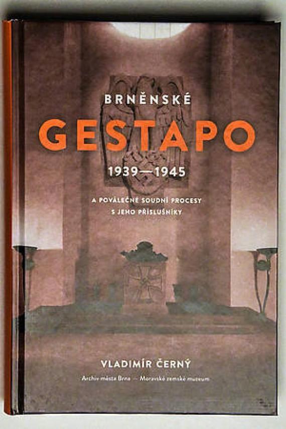 Historická kniha Foto: MMB