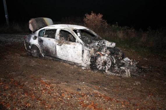 Zapálené auto Foto: PČR JMK