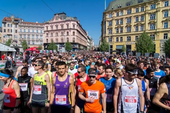 Půlmaraton Foto. Běhej Brno