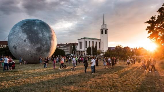 Model Měsíce Foto: Hvězdárna a planetárium Brno