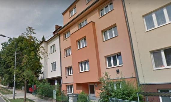 Město centru prodloužilo nájemní smlouvu na dům v ulici Sýpka (na fotce) Foto: Google maps