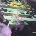 Zloději v baru     Foto: pčr