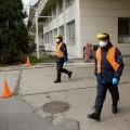 Hasiči kvůli koronaviru měří teplotu na hraničních přechodech   Foto: hzscr